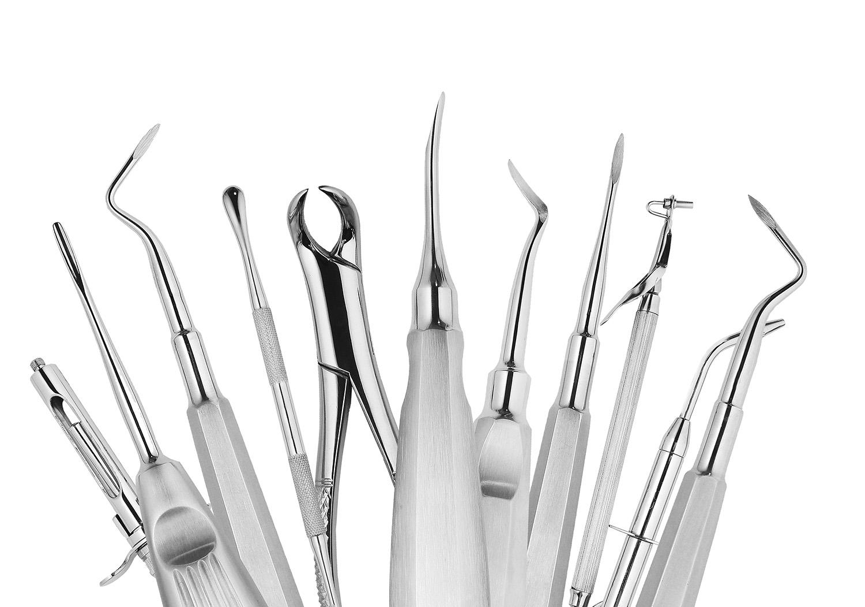 Diagnosticamos y tratamos la enfermedad periodontal, diagnosticamos tu predisposición genética a padecerla y te vamos a ayudar al mantenimiento de la salud de tus encías